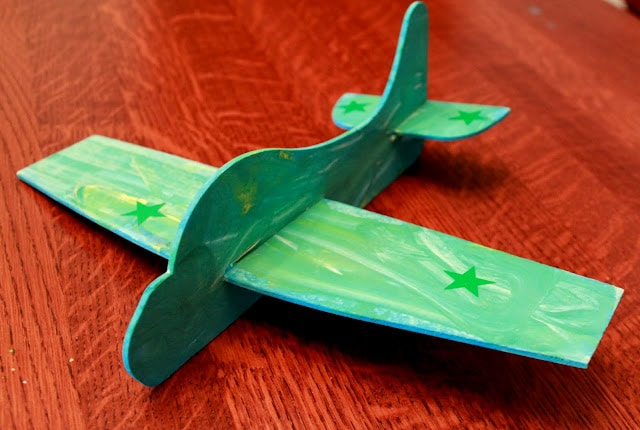 finished airplane toy from Green Kid Crafts