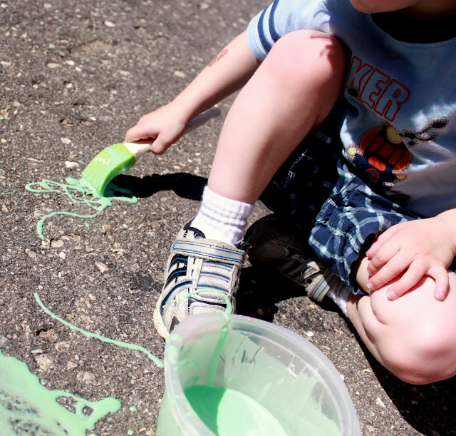Get creative with a DIY chalk recipe to try with the kids