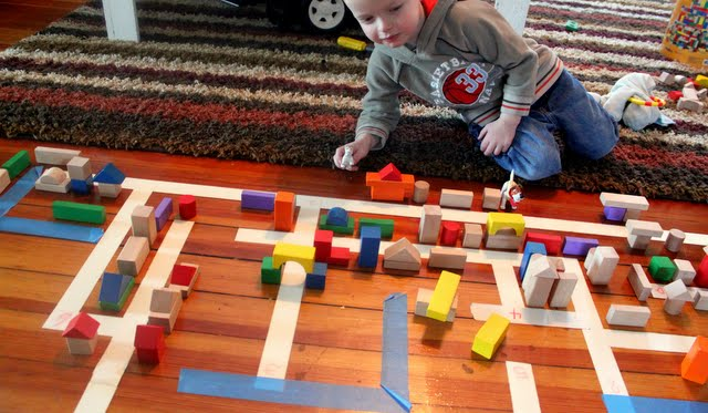 building with blocks activity for preschoolers
