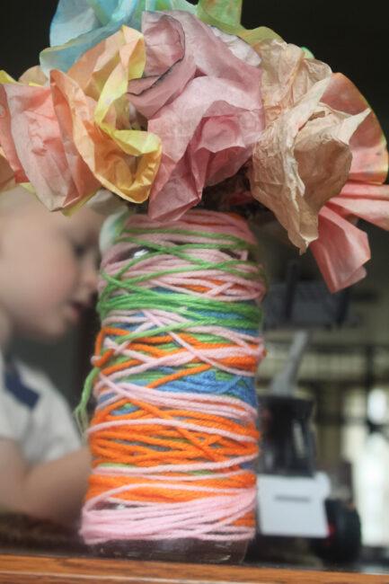 Finished yarn vase craft