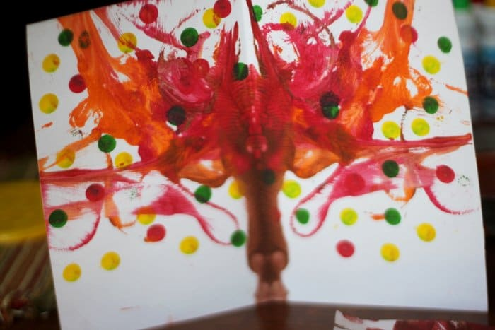 Try this kid-friend fall painting project!