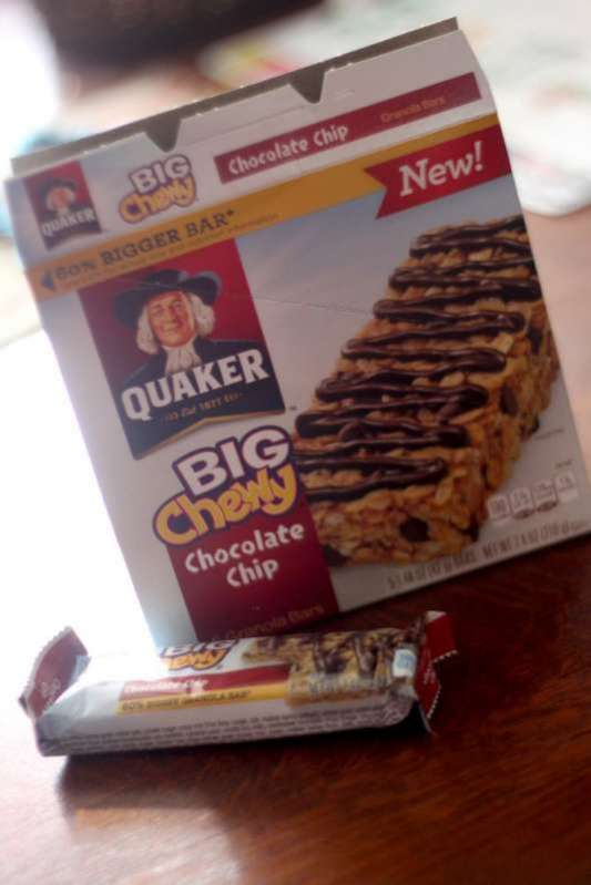 Refueling after gross motor activities with Quaker® Big Chewy Granola Bars