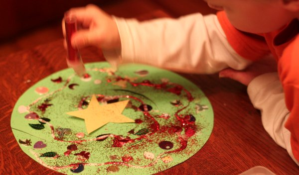 Decorate a spiral Christmas tree craft with lots of sequins & glitter