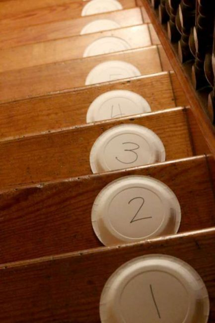Number the stairs for a pom pom learning game