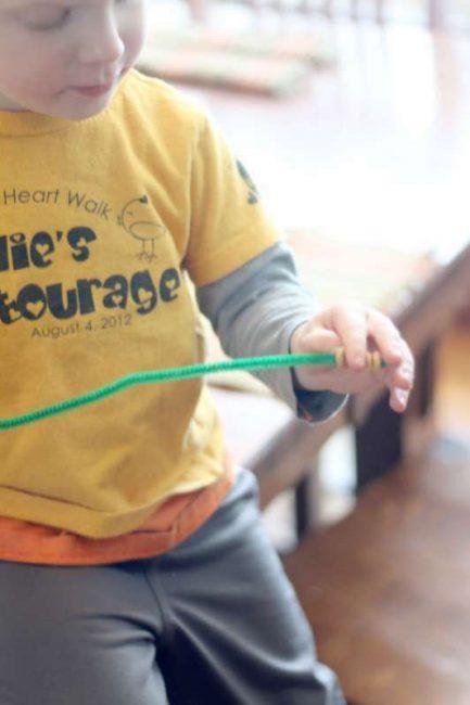 Threaded bird feeder craft