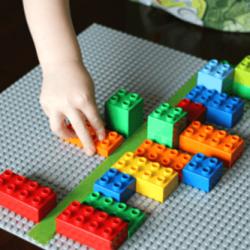 Teaching Symmetry to Preschoolers with Lego Bricks 2 250x250