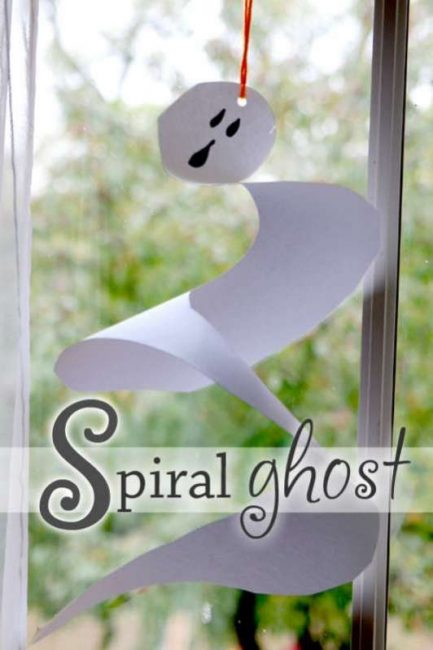 Spiral ghost craft for kids to make for Halloween