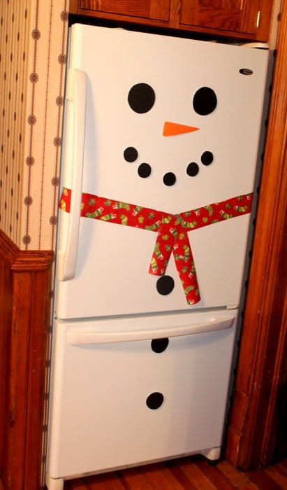 Snowman Fridge - 10 homemade Christmas decorations for kids to make
