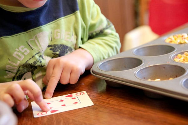 Counting the hearts of a playing card - one to one correspondence
