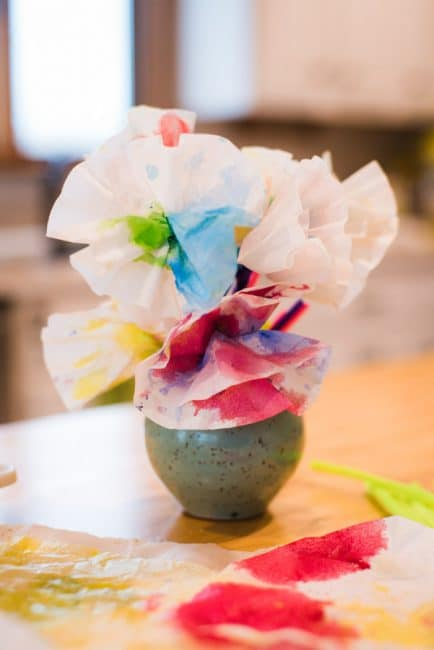 Gift your DIY coffee filter flowers for Mother's Day!