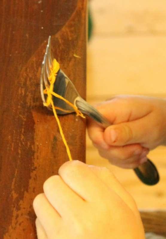A great quick craft for preschoolers to practice weaving