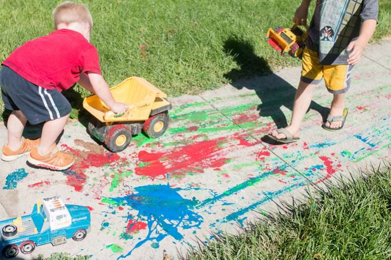 Preschoolers can get creative with gross motor activities too!