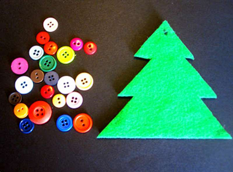 This button Christmas tree ornament is so much fun to make together!