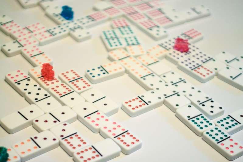 dominoes-20130517-8