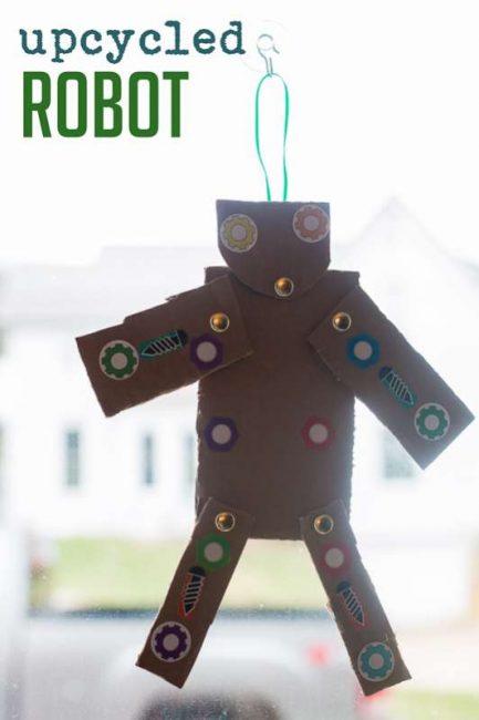 Make an upcycled Robot craft!