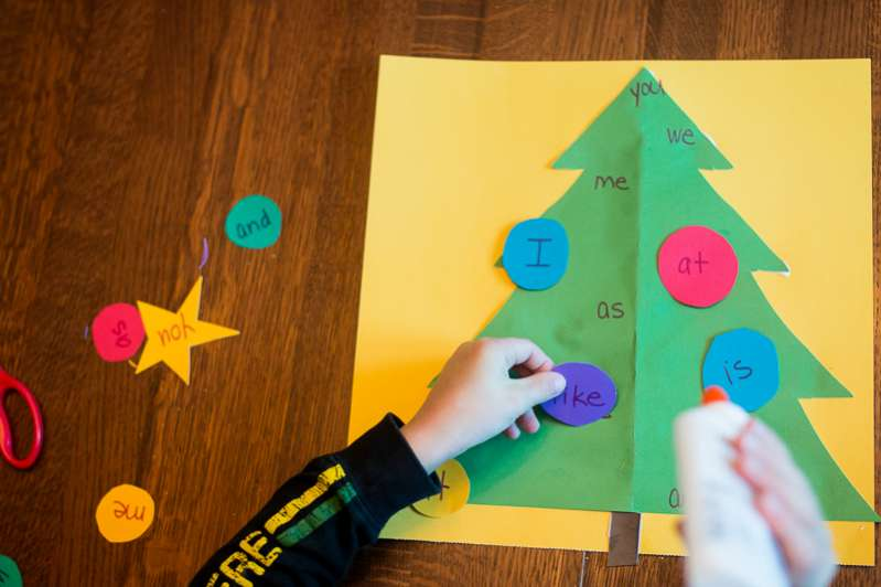 Make sight word ornaments to decorate the Christmas tree