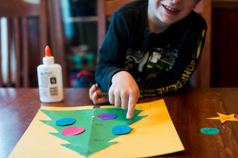 Match the sight words to the Christmas tree