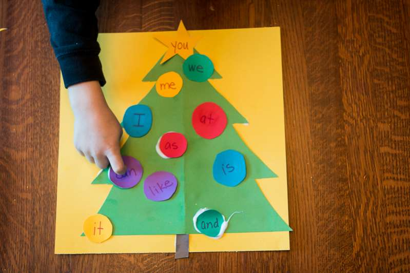 What are the sight words on the Christmas tree?