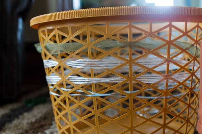 Learn to weave with a clothes basket