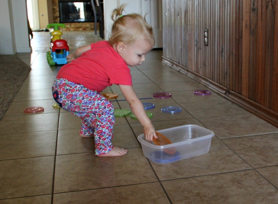 Toddler bowl lid toss