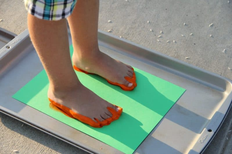 Sensory feet painting