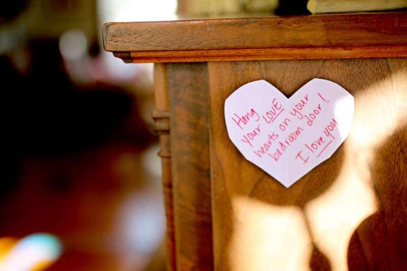 Valentine's Scavenger Hunt Direction Heart to Hang on Doors