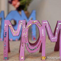 MOM-WOW Card