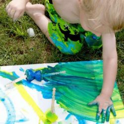 Paint with frozen paint cubes!