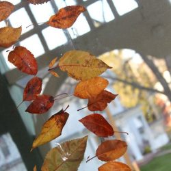 Simple Leaf Window Garland