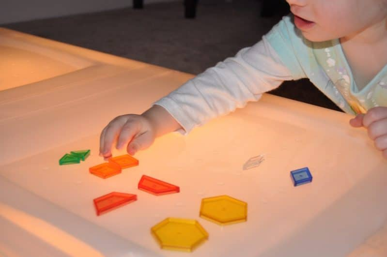 Shape matching on the easiest ever DIY light table!
