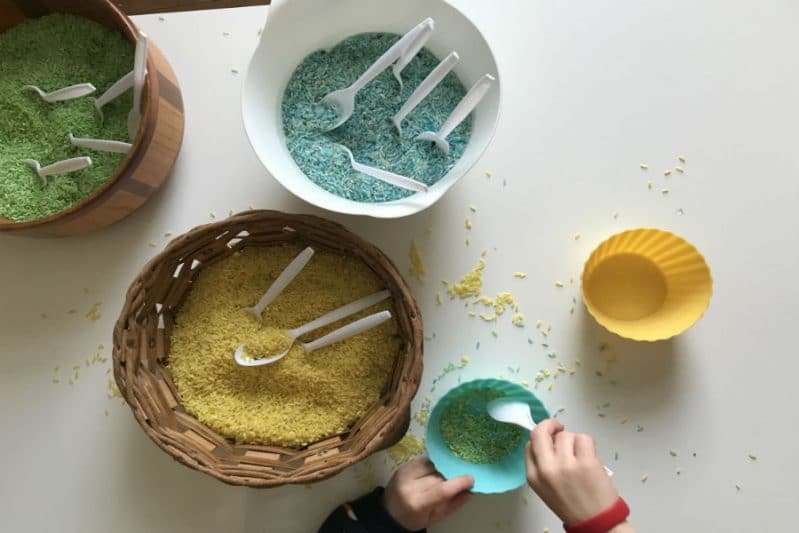 diy sensory tub matching game