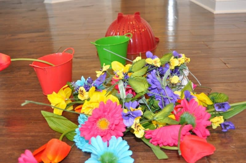 Spring flower pretend play will brighten up any day!