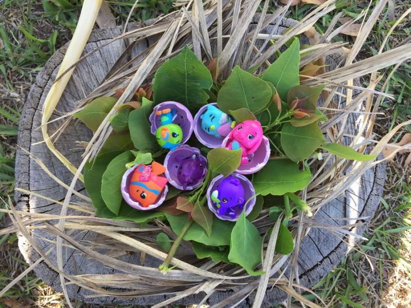 This year, add even more colorful fun to your Easter egg hunt with a Hatchimals CollEGGtibles color hunt!