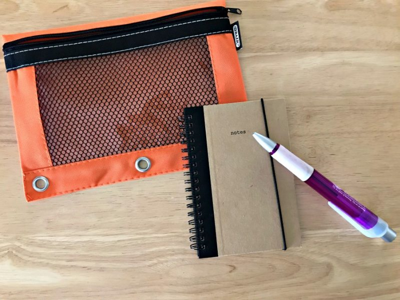 Make a note taking busy bag for independent play!