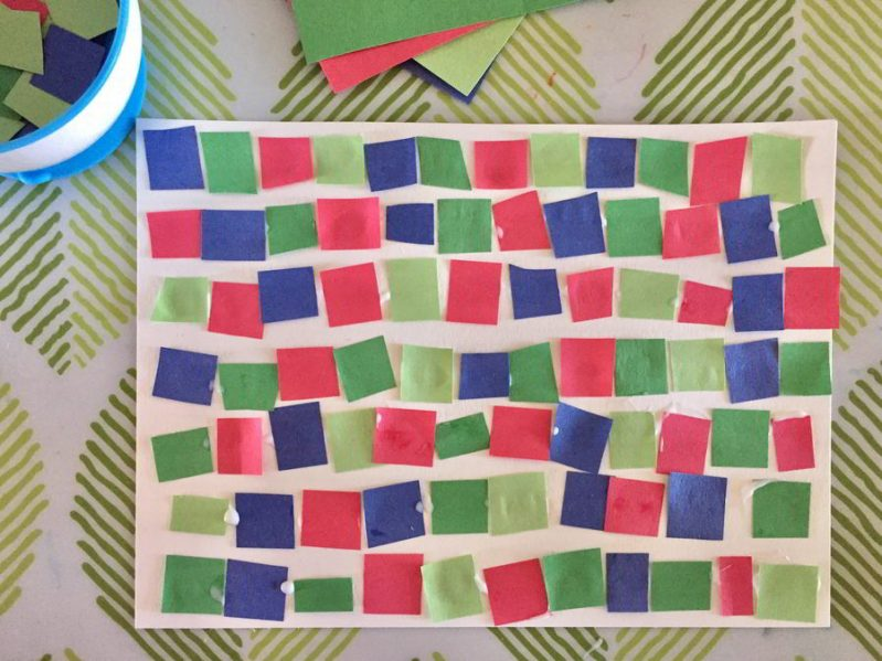 This simple mosaic pattern art idea combines fine motor skills and math fun for preschoolers and toddlers!