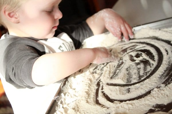 An easy flour sensory play activity for toddlers