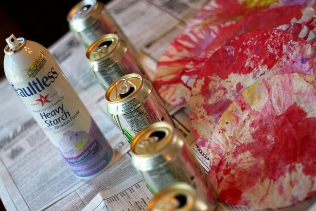 Use spray starch and pop cans to DIY your coffee filter flowers