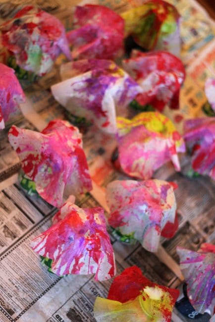 Wait for the coffee filters to dry before you make your 3D flowers