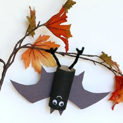 Hanging Bat Craft- Buggy and Buddy