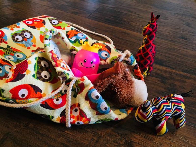Build early language skills with this simple mystery bag animal sounds activity!