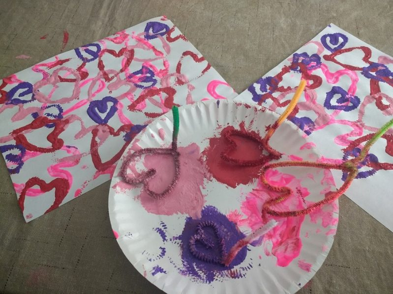 Super sweet DIY stamped heart crafts with pipe cleaners!