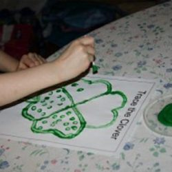 Q-tip Clover Tracing- 3 Dinosaurs