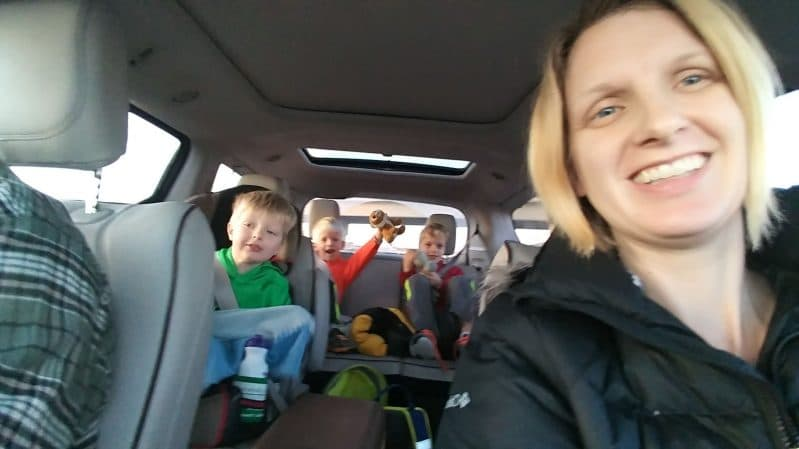 We love easy, simple ways to keep kids entertained on road trips!