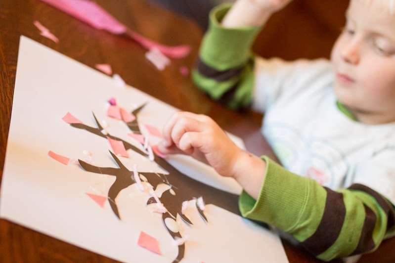 Make a spring tree craft with your toddler