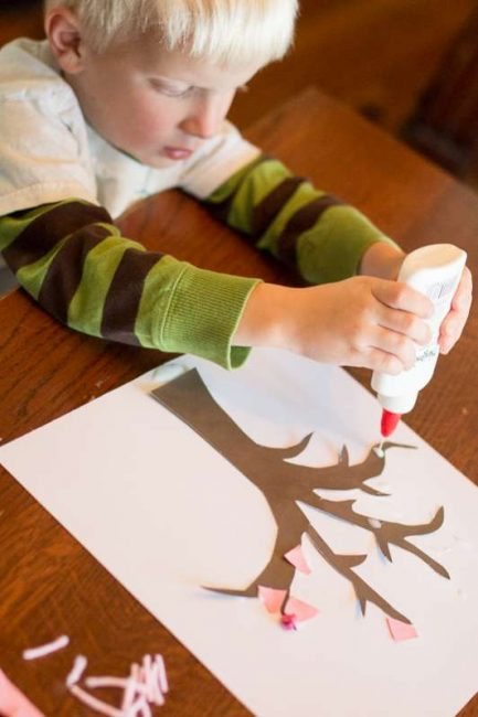 Make an easy spring tree craft with your toddler