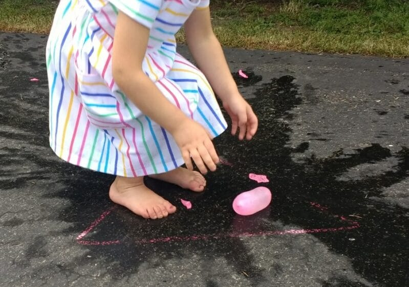 Try an easy water balloon shape matching activity to cool off in the summer!