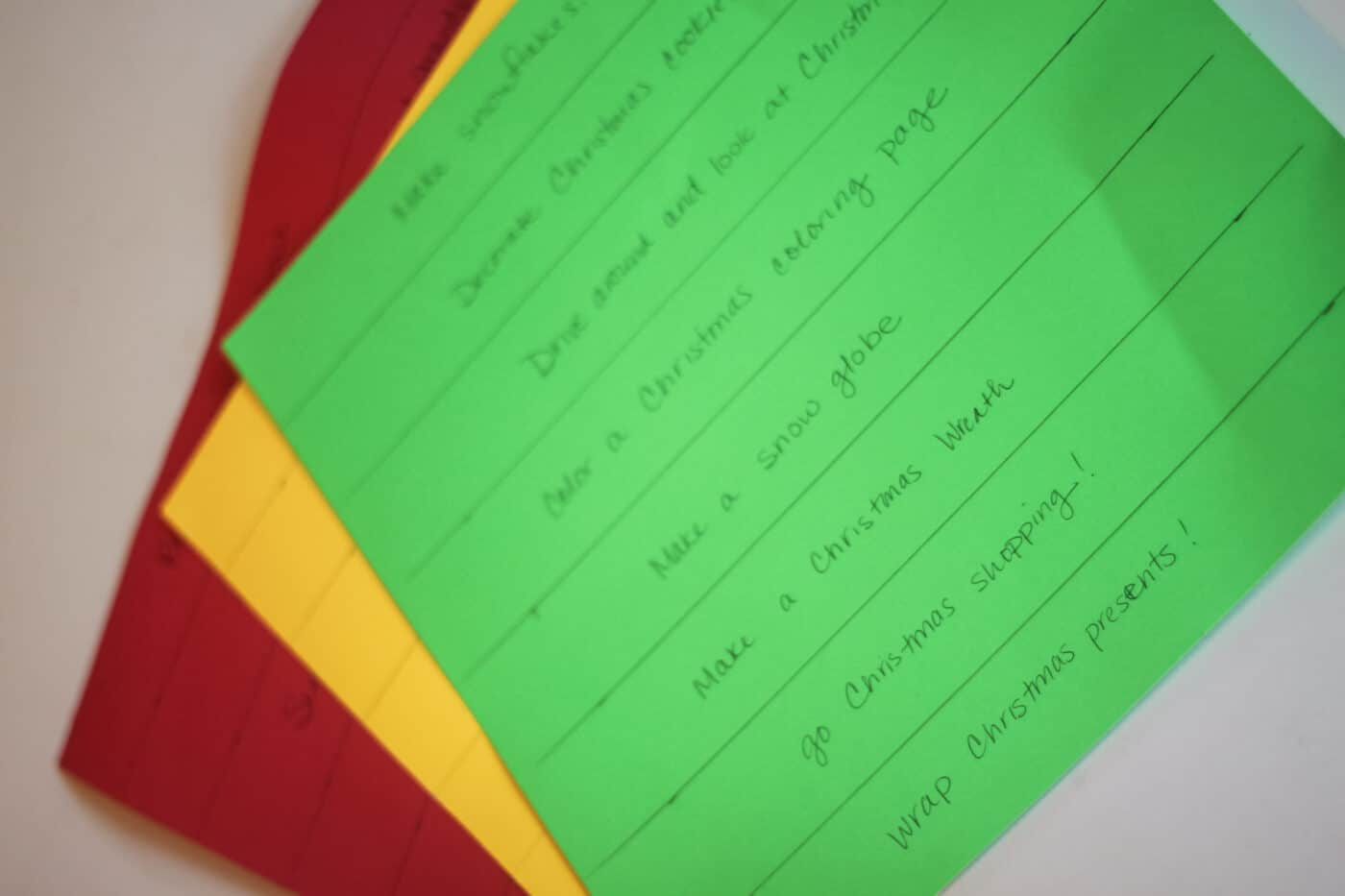 Write down your favorite holiday activities!