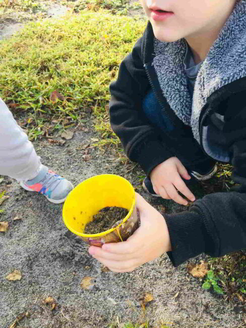 Kids love to dig in the dirt! This easy science activity turns dirt into learning!