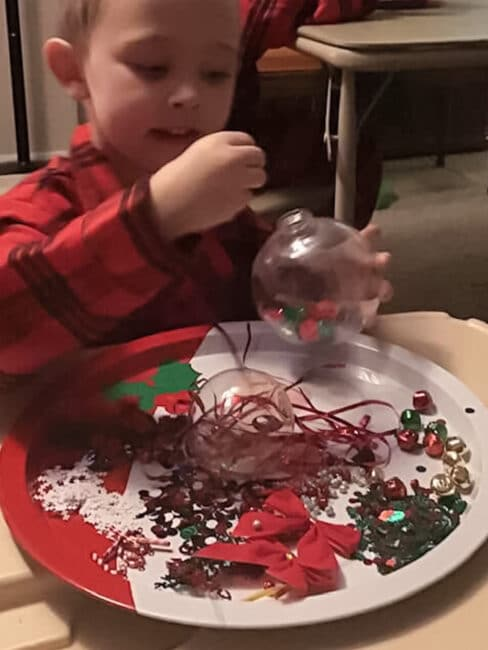 Kids of all abilities can do this simple holiday craft!