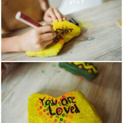The Crafting Chicks- Kindness Rock